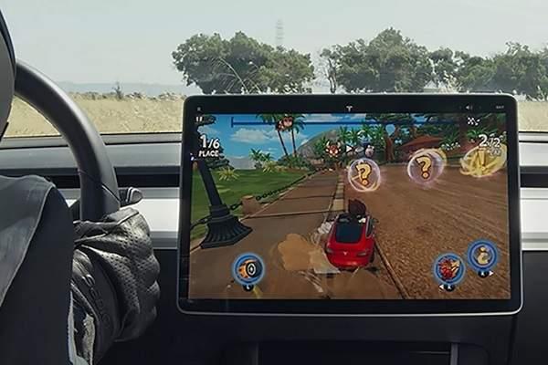 马斯克发推:用户能在特斯拉车载电脑上体验《GTA5》